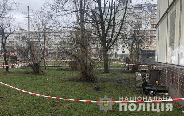В Киеве в подвале жилого дома нашли три трупа