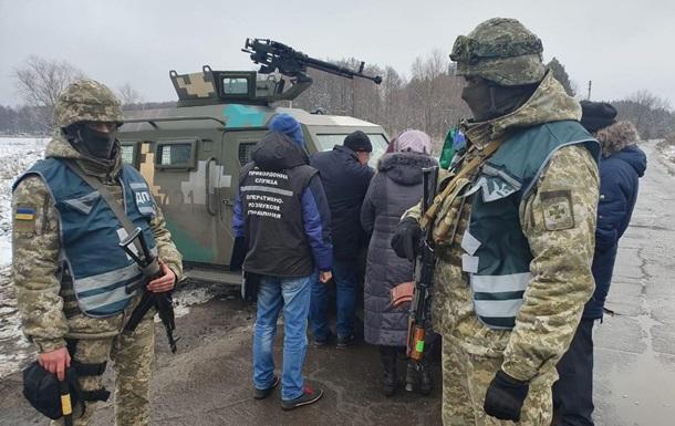 Восемь человек пытались незаконно пересечь линию разграничения на Донбассе