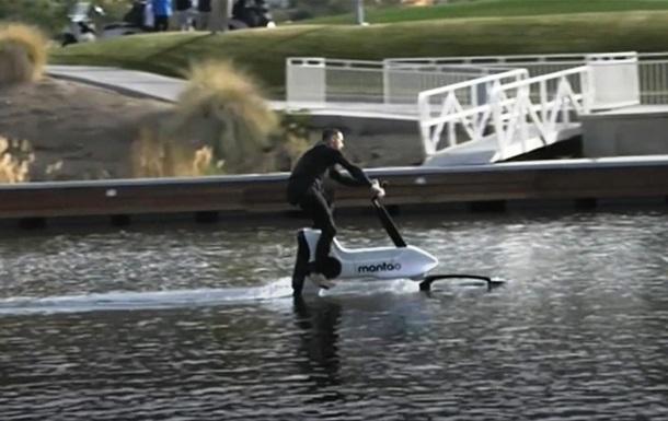 Представлено електровелосипед для водних прогулянок