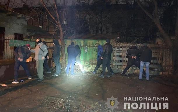 Банду грабіжників спіймали на гарячому під Києвом