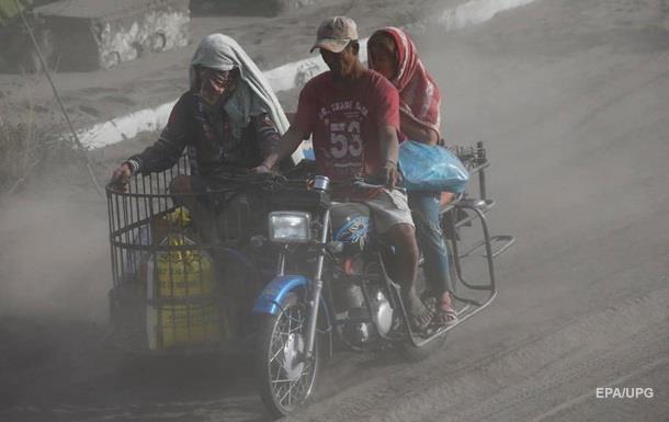 Виверження вулкана: на Філіппінах евакуйовують 200 тисяч осіб