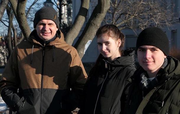 Семья Сенцова переехала в Киев из Крыма