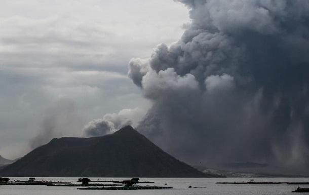 Виверження вулкана Тааль: влада готується евакуювати сотні тисяч громадян