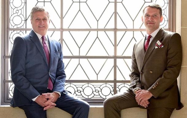 Президент Голден Стэйт оформил однополый брак со своим партнером