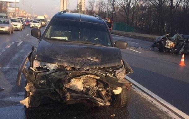 ДТП в Києві: у лобовому зіткненні загинув водій