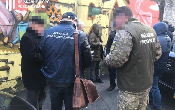 У Києві на хабарі затримали чиновника космічного агентства