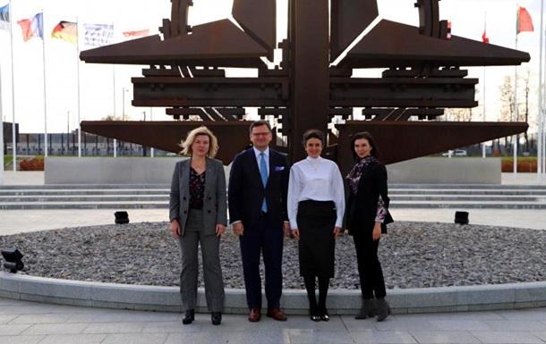 Кулеба: Україна готова брати участь у закупівлях НАТО