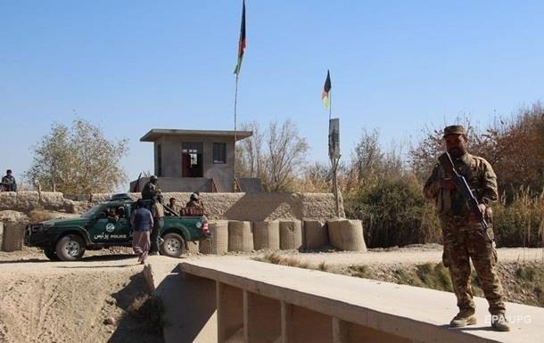 В Афганистане погибли 11 полицейских в бою с талибами
