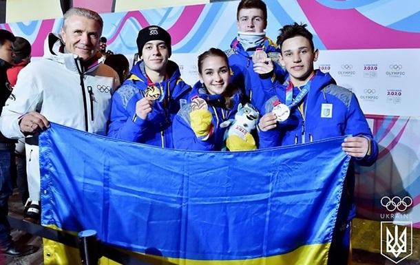 Україна завоювала перші медалі на Юнацькій Олімпіаді - золото і срібло у хокеїстів