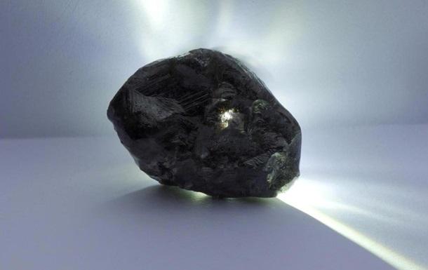 Louis Vuitton купил крупнейший темный алмаз