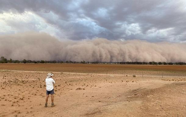 В Австралии зафиксировали пылевые бури и огромный град
