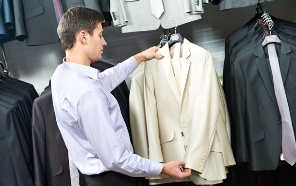 В Испании начали брать деньги за примерку одежды