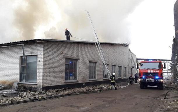 На Луганщине произошел масштабный пожар на стеклозаводе