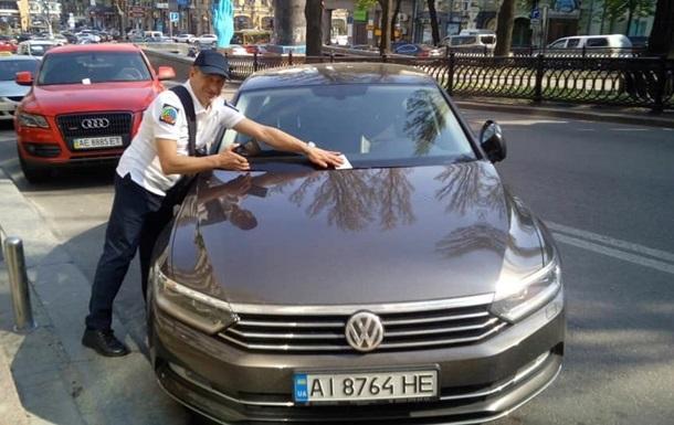 В Киеве резко поднимут плату за парковку