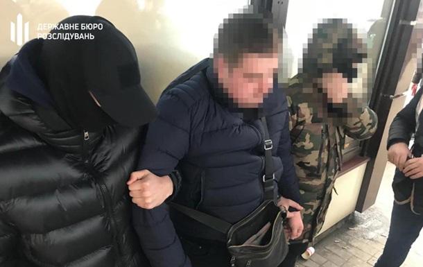 В Днепре полицейского чиновника задержали на взятке в 50 тысяч