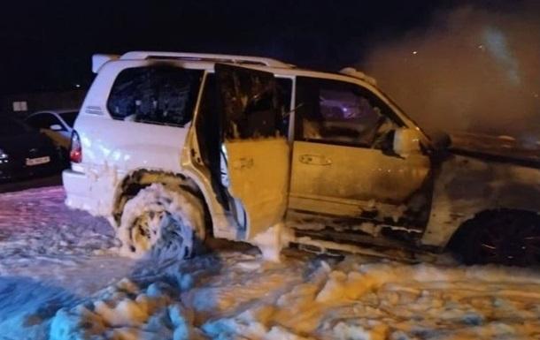 В Николаеве на парковке подожгли внедорожник Lexus