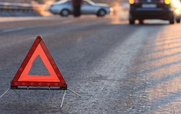 В Киеве девушка на Porsche протаранила ряд машин