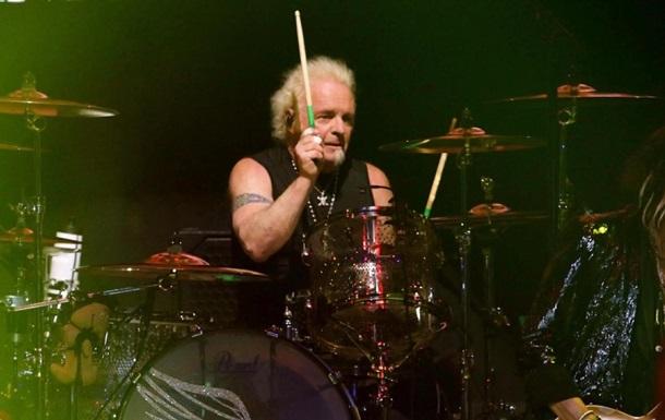 Барабанщик Aerosmith подал на музыкантов в суд