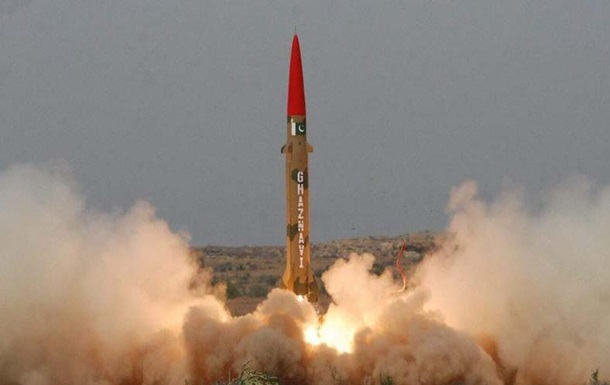 Пакистан испытал баллистическую ракету Хатф-3