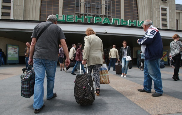 Дубилет: За десять лет уехали 3,8 млн украинцев