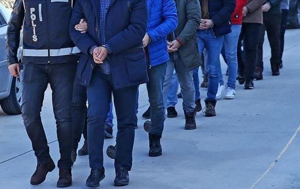 В Турции арестовали 40 копов по делу о попытке переворота