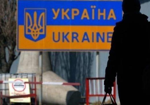 Чи справді українські заробітчани масово повертаються із Польщі додому?