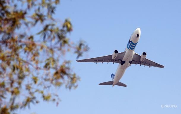 Пассажирский самолет экстренно сел в Иране