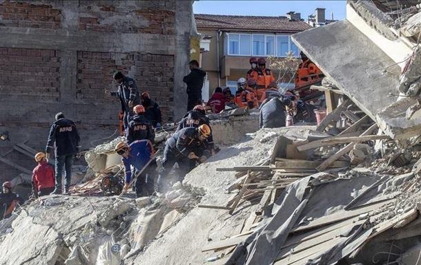 Землетрясение в Турции: число погибших достигло 38