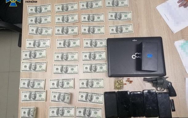 СБУ задержала частных детективов на прослушке телефонов