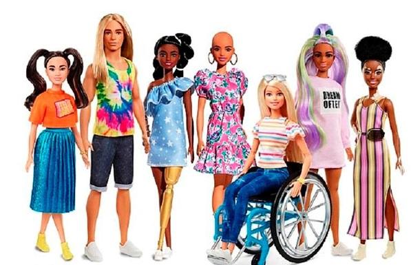 В продаже появятся лысые куклы Барби