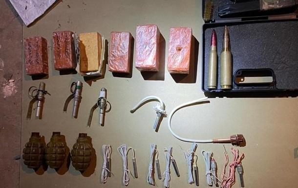 В Николаеве бывшие военные продавали оружие и взрывчатку