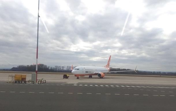 Самолет SkyUp на сутки застрял в Чехии