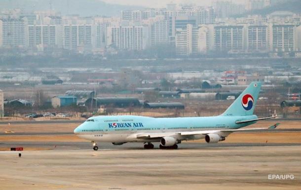 Літати до Китаю перестали понад 40 авіакомпаній