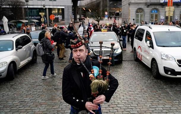 Британці вийшли з Європарламенту під волинку