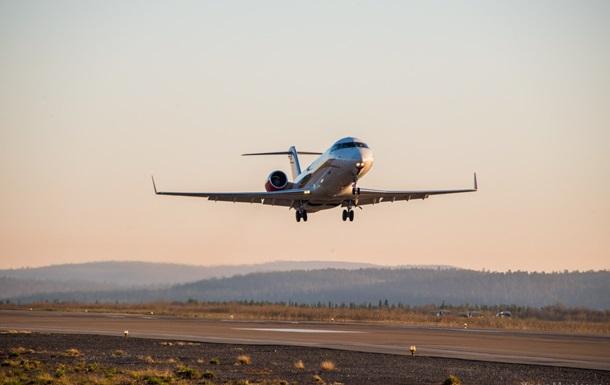 В Томске аварийно сел самолет Bombardier