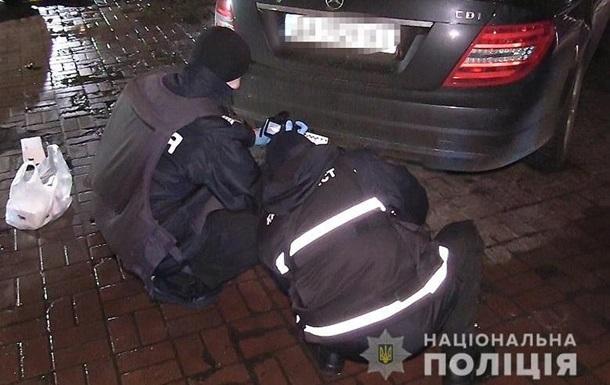 Фото с места убийства в центре Киева. 18+