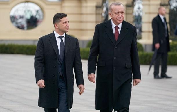 Эрдоган приветствовал военных:  Слава Украине!