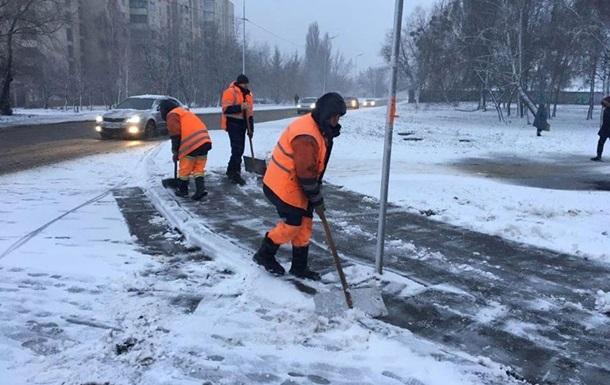 Циклон Petra засыпал Киев снегом