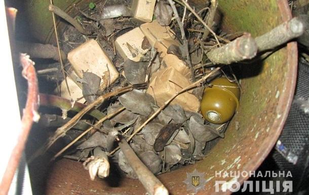 На Киевщине военный попытался разобрать гранату - она взорвалась