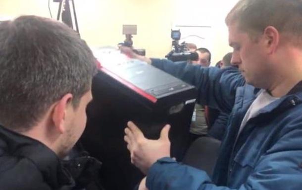 В офисе телеканала Игоря Коломосйского СБУ проводит обыск
