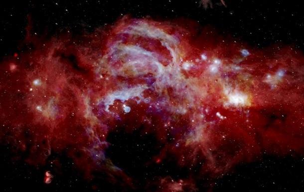 Найдена ультрамассивная мертвая галактика