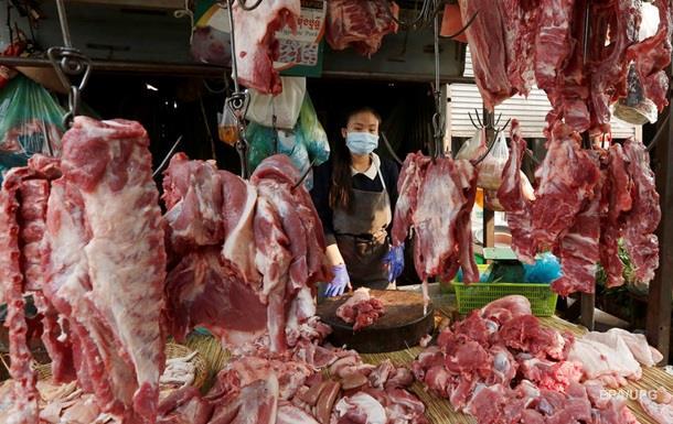 Китаец заразился коронавирусом на рынке за 15 секунд - СМИ