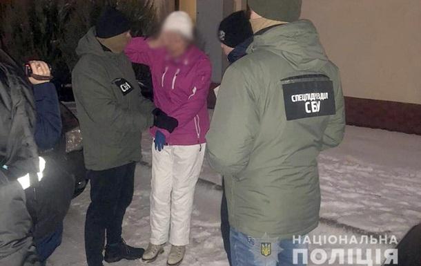 Силовики двух областей задерживали женщину, которая заказала бывшего мужа