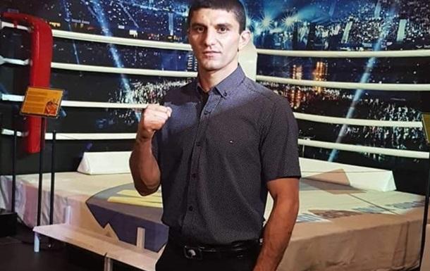 Далакян боксировал с Пересом с переломанной рукой
