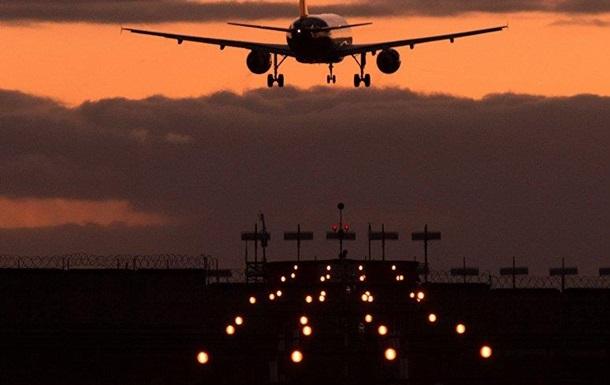 В міжнародних аеропортах Києва і Одеси імітували ремонт літаків