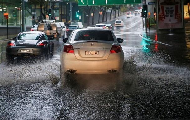 В Австралии началась эвакуация людей из-за ливней