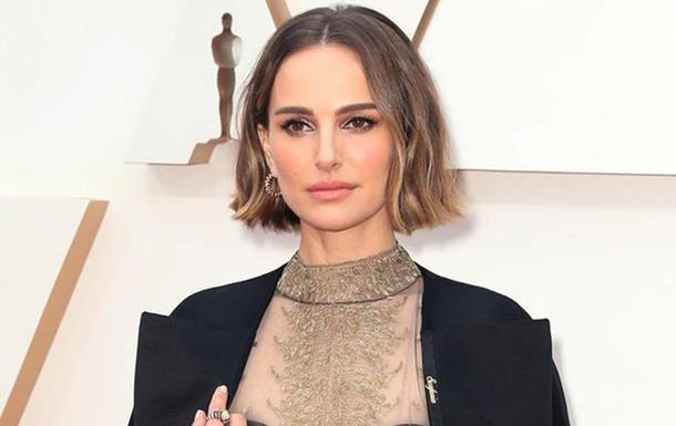 Натали Портман надела на Оскар скандальный наряд