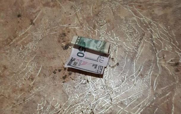 Харьковчанин вызвал полицейских и попытался дать им взятку