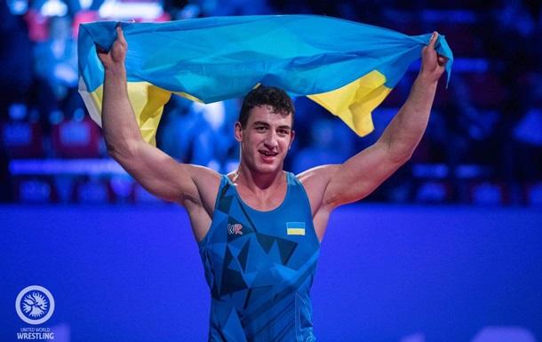 Три украинских борца вышли в полуфиналы в первый день ЧЕ
