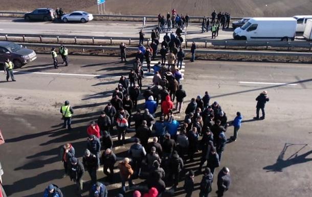 Протестующие перекрыли Одесскую трассу под Уманью